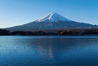 河口湖産屋ヶ崎からの富士山