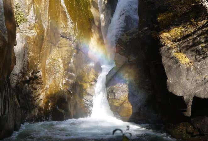 好天時の仙娥滝の虹