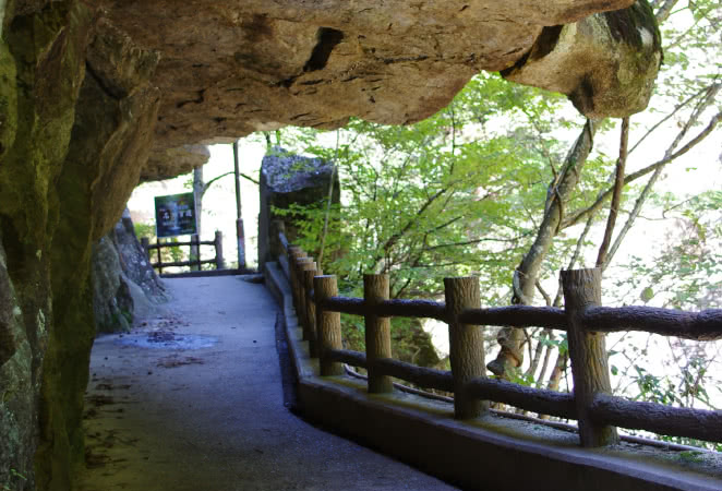 仙娥滝へ続く遊歩道