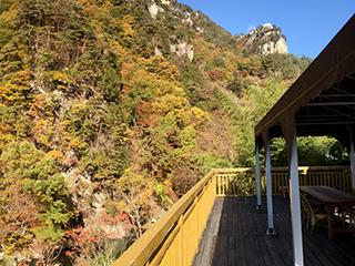 昇仙峡で1番覚円峰をキレイに見る<br /> 昇仙峡ハイキングの休憩所
