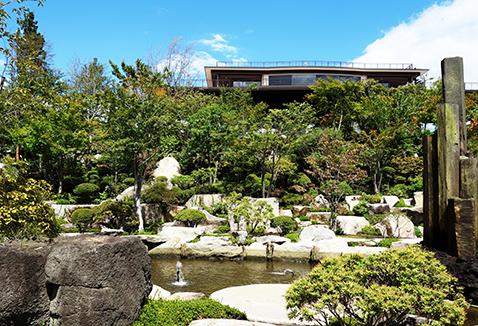 花と香り、緑と風と富士のテーマガーデン