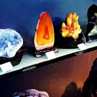 甲州天然石工房 彩石の蔵
